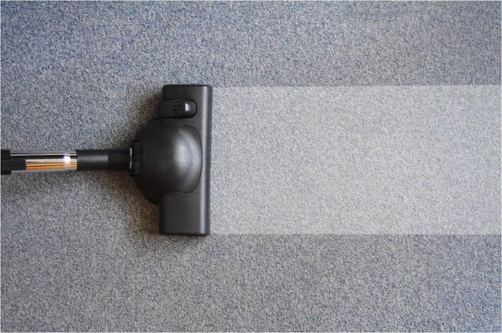 Jak usunąć brzydki zapach z dywanu
