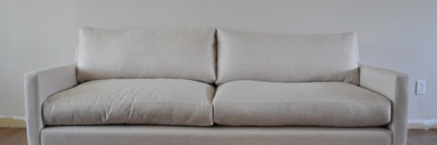 Jak usunąć zapach wymiocin z kanapy i innych mebli?